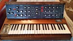Analog Synthesizers Make a Comeback in the Digital Age of Music Production