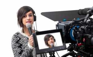 10 Essential Skills You Need to Become a Successful Broadcast Journalist