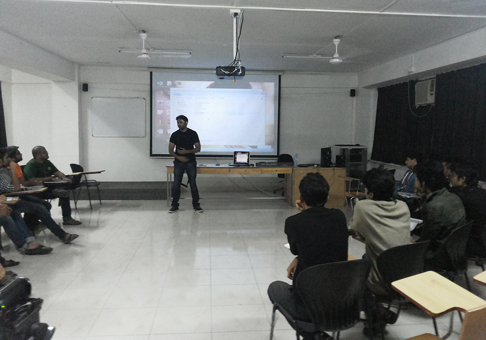 Jitin interacting With Our Senior Batch.